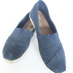 TOMS Navy Blue Womens Suede Slip-On Perforated 9